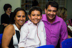 Matheus Matos e seus pais