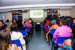 Exibição do vídeo sobre o projeto 'Escola da Leitura'