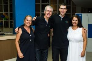 Letícia, coordenadora da Biblioteca Municipal, com Marcio, Marcelo e Regina Vilarinhos, professora de poesia da 'Escola da Leitura'